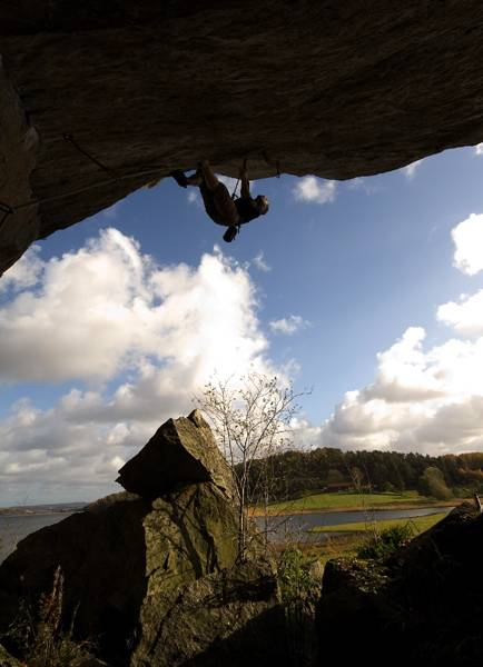 Jonas klättrar Armageddon 7b+, Tjörnbroklippan