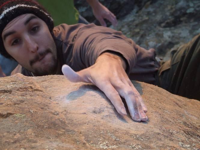 Julien Phez-le sort du monde- 7B- la capelle
