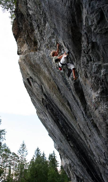 Tvångströja 7c, Hell, Climber Alexander Rydén