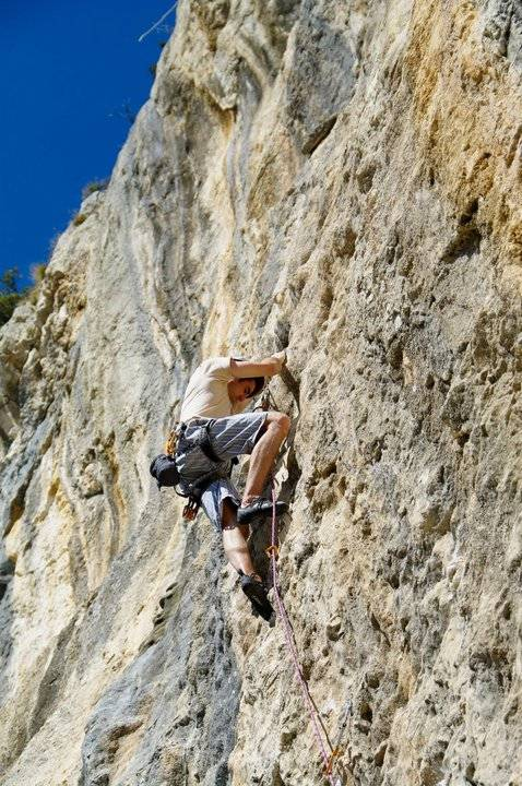 Damir Mujakanović climbing Beastiequeen (7a+/b)