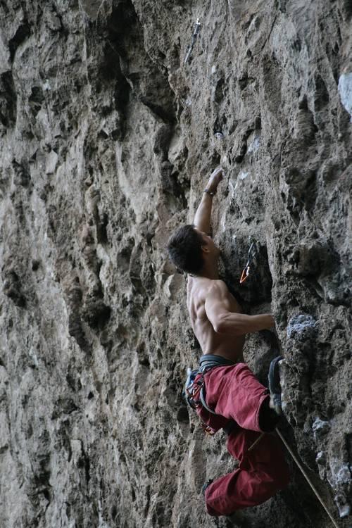 el tigrillo à Chonta (mexique) Avec une voie magique et un grand photographe (merci Etienne) on dirait presque que je grimpe bien!