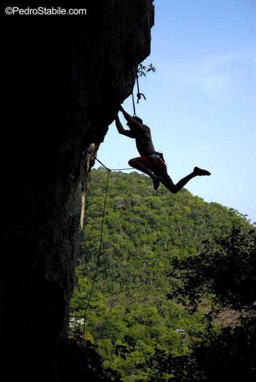 Nado flying on Chapa Quente, an 8a+ at Barrinha