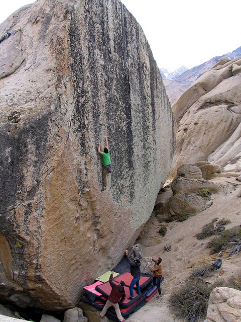 "Alex Honnold Puts Up ""Too Big To Flail"""