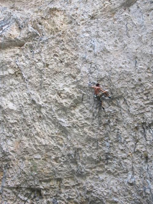 unknow climber in Corredor de la muerte - Surgencia Rodellar