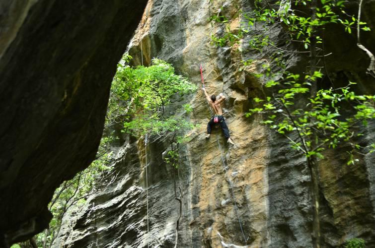 Dez Almas 7b (8b br) - Serra do Cipó - Vale de Blair