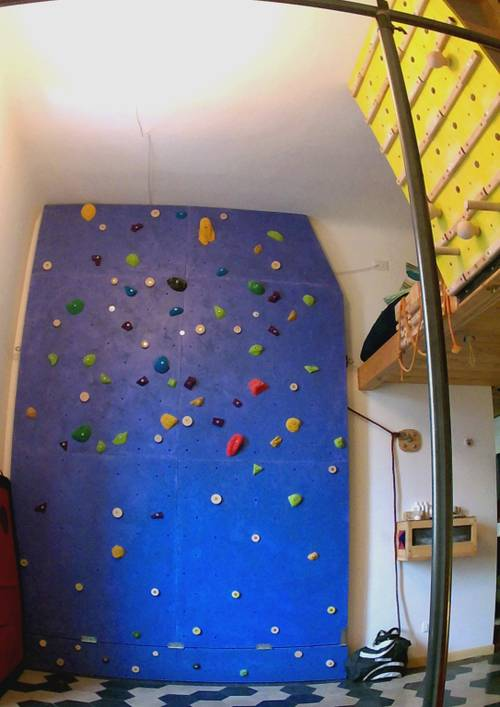 If you are travelling in Milan (Italy), you are welcome to stay in my house, search for climbing house on AIRb&b