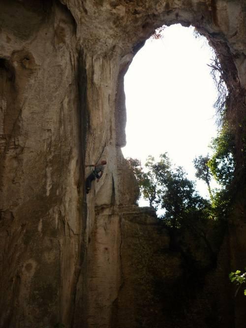 Per uscire dalle tenebre, 6c+, Grotta dell' edera, Finale