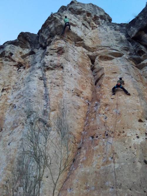 On the right side of the photo a nice 7b in a popular crag, near Madrid.