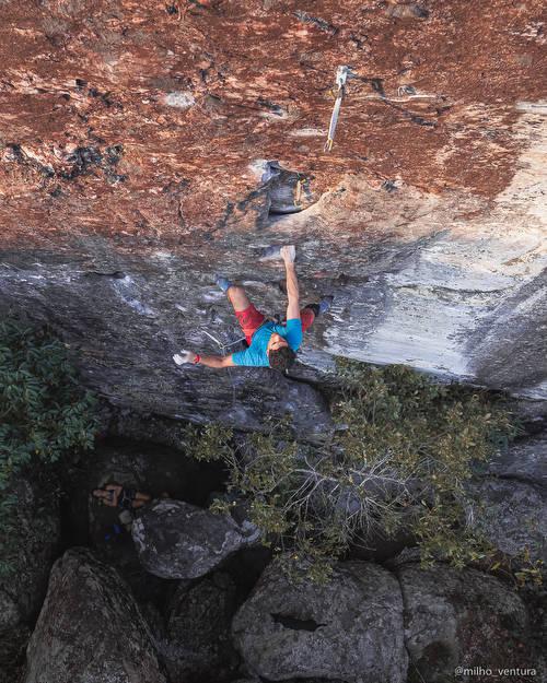 """Felipe """"Kbça"""" on the 1st repeat. Check instagram @milho_ventura for more climbing info of our region."""