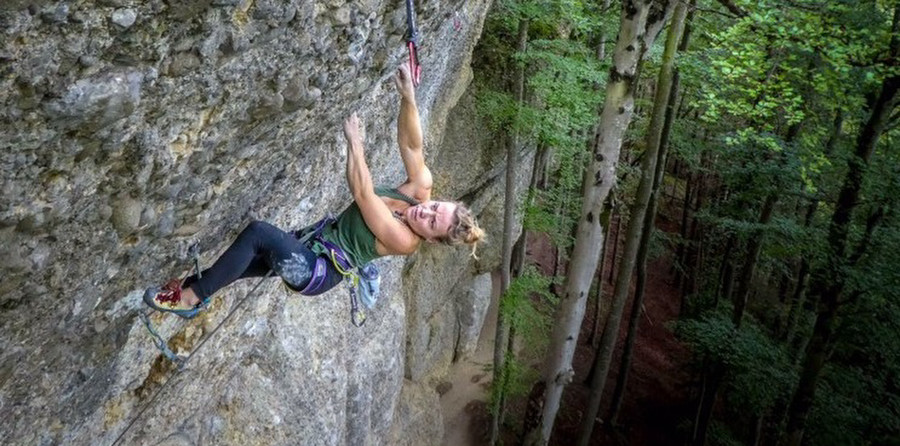 King of the bongo 8c by Solveig Korherr