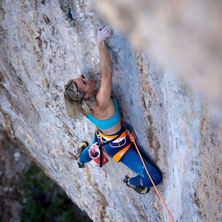 La ligne claire 8c+ by Julia Chanourdie