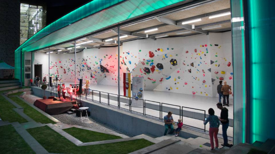 Covid-19 future: More outdoor bouldering gyms and parks