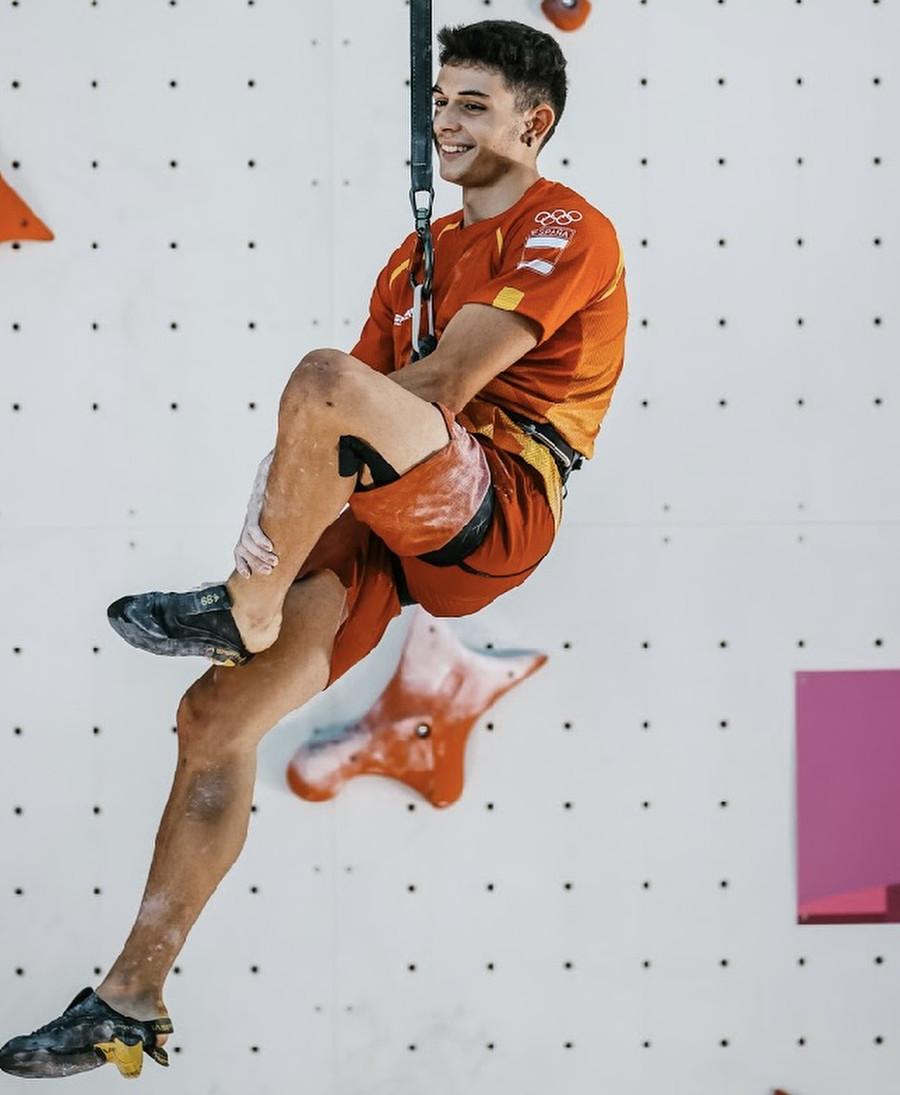 Olympic champion - Alberto Ginés López