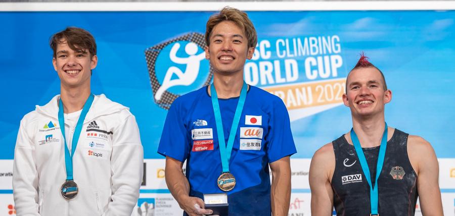 Masahiro Higuchi wins and saves the show
