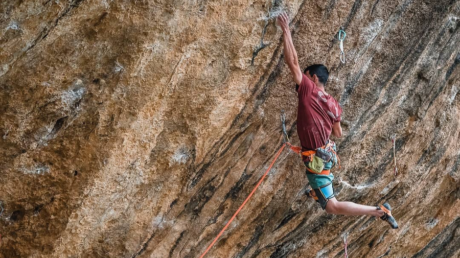 First Ley 9a+ by Jorge Díaz-Rullo